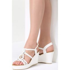 Białe Sandały Sensibility. Brązowe sandały damskie marki vices, z materiału, ze szpiczastym noskiem, na wysokim obcasie, na obcasie. Za 99,99 zł.