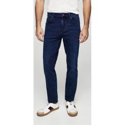 Mango Man - Jeansy Jan2. Niebieskie jeansy męskie relaxed fit marki Mango Man, z bawełny. W wyprzedaży za 99,90 zł.