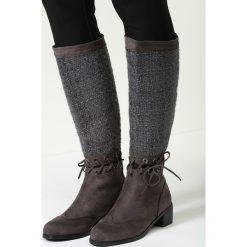 Ciemnoszare Kozaki Paint It Black. Brązowe buty zimowe damskie marki vices, z materiału, ze szpiczastym noskiem, na wysokim obcasie, na obcasie. Za 59,99 zł.