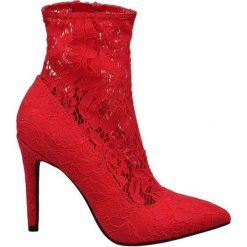 Botki damskie Catwalk czerwone. Czerwone botki damskie na obcasie Catwalk, z materiału, na zamek. Za 159,90 zł.