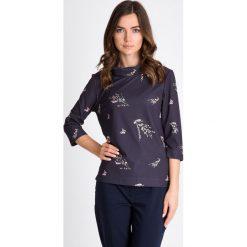 Bluzki damskie: Granatowa bluzka w gałązki QUIOSQUE