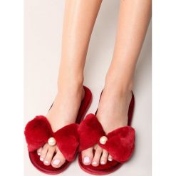 Czerwone Klapki Disparateness. Czerwone crocsy damskie other, z materiału, na platformie. Za 49,99 zł.