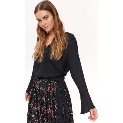 ac1106e988aad5 BLUZKA DŁUGI RĘKAW O LUŹNYM KROJU. Czarne bluzki damskie Top Secret, bez  wzorów,
