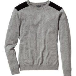 Sweter Regular Fit bonprix szary melanż. Szare swetry klasyczne męskie bonprix, l, melanż, z kontrastowym kołnierzykiem. Za 74,99 zł.