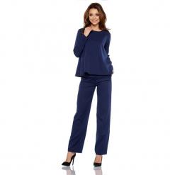Zestaw w kolorze jasnoszarym - bluzka, spodnie. Brązowe spodnie z wysokim stanem marki Lemoniade, z klasycznym kołnierzykiem. Za 239,95 zł.