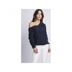 Sweter z dekoltem V, SWE079, MKM. Niebieskie swetry klasyczne damskie Mkm swetry, l, z dzianiny, z dekoltem na plecach. Za 118,00 zł.