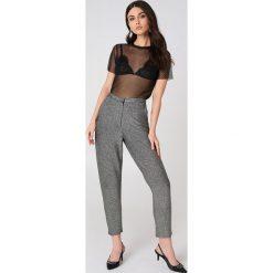 Spodnie z wysokim stanem: NA-KD Party Brokatowe spodnie z wysokim stanem – Silver