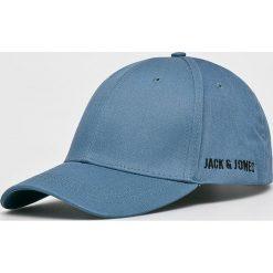 Jack & Jones - Czapka. Niebieskie czapki z daszkiem męskie Jack & Jones. W wyprzedaży za 49,90 zł.