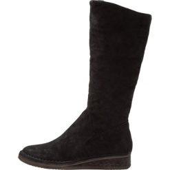 Felmini THITA Kozaki na koturnie zeus black. Czarne buty zimowe damskie marki Born2be, z materiału, z okrągłym noskiem, na niskim obcasie, na koturnie. W wyprzedaży za 395,40 zł.