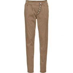 Spodnie chino Slim Fit bonprix wielbłądzia wełna. Brązowe chinosy damskie bonprix, z bawełny. Za 49,99 zł.