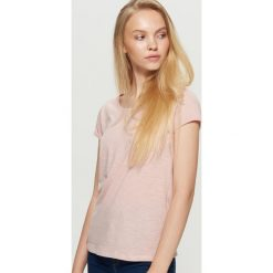 Gładka koszulka - Różowy. Czerwone t-shirty damskie marki Cropp, l. Za 19,99 zł.