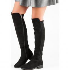 KOZAKI NA PŁASKIM OBCASIE. Czarne buty zimowe damskie marki Kazar, ze skóry, na wysokim obcasie. Za 190,90 zł.