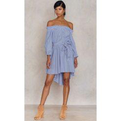Sukienki: Trendyol Sukienka z odkrytymi ramionami Mavi – Blue,Multicolor