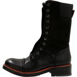 GStar STOOKE ZIP Kozaki sznurowane black. Czarne kowbojki damskie G-Star, z gumy. W wyprzedaży za 686,95 zł.