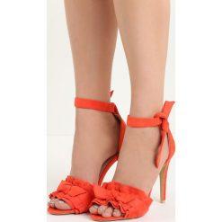 Pomarańczowe Sandały Spring Trip. Brązowe sandały damskie marki Born2be, z materiału, na wysokim obcasie, na obcasie. Za 69,99 zł.