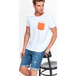 T-shirty męskie: T-SHIRT MĘSKI Z KONTRASTOWĄ KIESZENIĄ