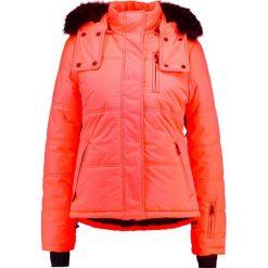 Topshop SNO RIO PUFFER  Kurtka narciarska pink. Czerwone kurtki damskie narciarskie marki Topshop, na zimę, z materiału. W wyprzedaży za 471,20 zł.