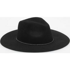 Wełniany kapelusz - Czarny. Czarne kapelusze damskie marki Reserved, z wełny. Za 79,99 zł.