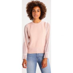 Swetry klasyczne damskie: Navy London VALENTINA Sweter blush