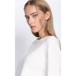 Biały Sweter White Glows. Białe swetry klasyczne damskie Born2be, l, z okrągłym kołnierzem. Za 49,99 zł.