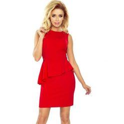 Sukienka asymetryczna z baskiną sf-178-1. Czerwone sukienki asymetryczne marki SaF, xl, z jeansu, z asymetrycznym kołnierzem. Za 129,90 zł.