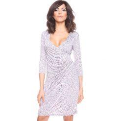 Sukienki hiszpanki: Sukienka w kolorze jasnoszarym ze wzorem