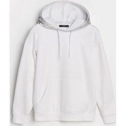 Bluzy damskie: Bluza ze srebrnym kapturem – Biały