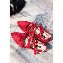Baleriny damskie lakierowane: Czerwone Balerinki Enticing Grunch