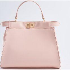 Torebki i plecaki damskie: Torebka z ozdobnym zapięciem – Różowy