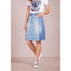 BOSS CASUAL SALEM Spódnica trapezowa bright blue. Niebieskie spódniczki trapezowe BOSS Casual, z bawełny, casualowe. Za 579,00 zł.