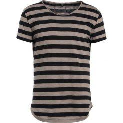 T-shirty męskie z nadrukiem: Tigha PAT  Tshirt z nadrukiem mud/black