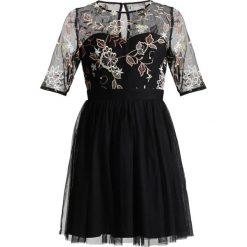 Sukienki hiszpanki: Little Mistress Petite LACE INSERT EMB DRESS Sukienka koktajlowa black
