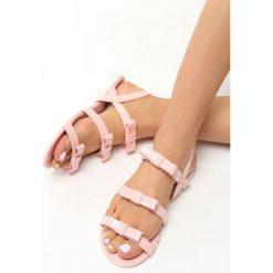 Różowe Sandały Little Rock. Czerwone sandały damskie marki Born2be, z lakierowanej skóry, na obcasie. Za 19,99 zł.