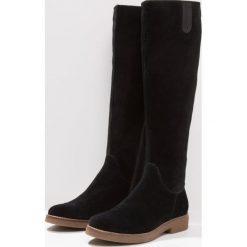 Pier One Kozaki black. Czarne buty zimowe damskie marki Pier One, z materiału. W wyprzedaży za 303,20 zł.