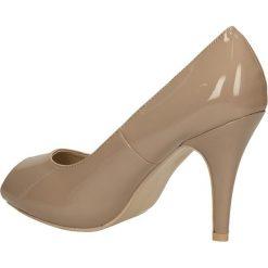 CZÓŁENKA CASU AH85620. Brązowe buty ślubne damskie Casu, na koturnie. Za 49,99 zł.