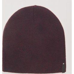 Melanżowa czapka - Bordowy. Czerwone czapki zimowe męskie marki House. Za 25,99 zł.