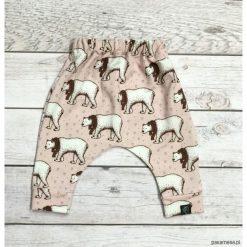 Pumpy, baggy w niedźwiedzie polarne. Szare spodnie dresowe dziewczęce marki Pakamera, z dresówki. Za 79,00 zł.
