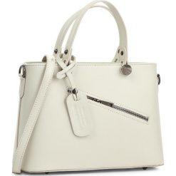 Torebka CREOLE - K10222 Kremowy. Białe torebki klasyczne damskie Creole, ze skóry. W wyprzedaży za 209,00 zł.