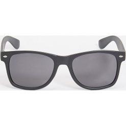 Okulary przeciwsłoneczne - Czarny. Czarne okulary przeciwsłoneczne damskie lenonki marki Sinsay. Za 9,99 zł.