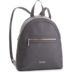 Plecak LIU JO - M Backpack Manhatta N68067 E0087 Grape Juice Met 04203. Szare plecaki damskie marki Liu Jo, ze skóry ekologicznej, klasyczne. Za 599,00 zł.