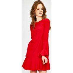 Answear - Sukienka. Czerwone sukienki mini ANSWEAR, na co dzień, l, z elastanu, casualowe, z okrągłym kołnierzem. W wyprzedaży za 69,90 zł.