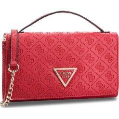 Torebka GUESS - HWSD66 91790 RED. Czerwone torebki klasyczne damskie Guess, z aplikacjami, ze skóry ekologicznej. Za 399,00 zł.