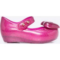 Melissa - Baleriny dziecięce Ultragirl Heart. Różowe meliski damskie marki Melissa, z gumy. W wyprzedaży za 159,90 zł.