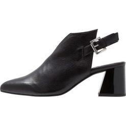 L'INTERVALLE AMBROSIA Ankle boot black. Czarne botki damskie na zamek L'INTERVALLE, z materiału. Za 459,00 zł.