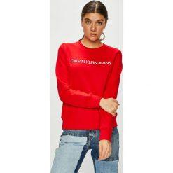 Calvin Klein Jeans - Bluza. Czerwone bluzy z nadrukiem damskie Calvin Klein Jeans, l, z bawełny, bez kaptura. Za 399,90 zł.