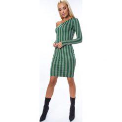 Sukienka z asymetrycznym dekoltem zielona MP62091. Zielone sukienki marki Fasardi, l, z asymetrycznym kołnierzem, asymetryczne. Za 64,00 zł.