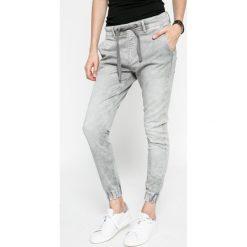Pepe Jeans - Jeansy. Szare jeansy damskie rurki Pepe Jeans. W wyprzedaży za 299,90 zł.