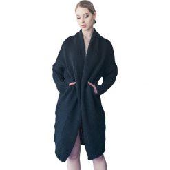 Odzież damska: Sweter w kolorze czarnym
