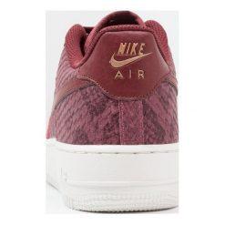 Nike Sportswear AIR FORCE 1 Tenisówki i Trampki port/dark team red/summit whit. Czerwone tenisówki męskie Nike Sportswear, z materiału. W wyprzedaży za 279,20 zł.