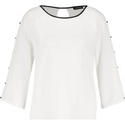 Bluzka w kolorze białym. Białe bluzki damskie Taifun, z okrągłym kołnierzem. W wyprzedaży za 65,95 zł.
